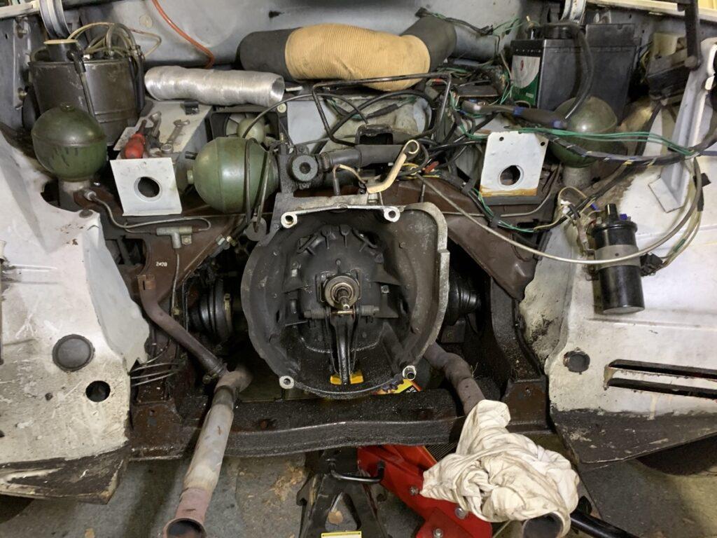 Citroen GS engine bay